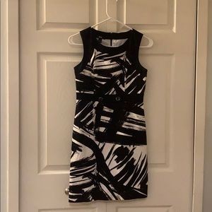 Classy black and white dress w button details